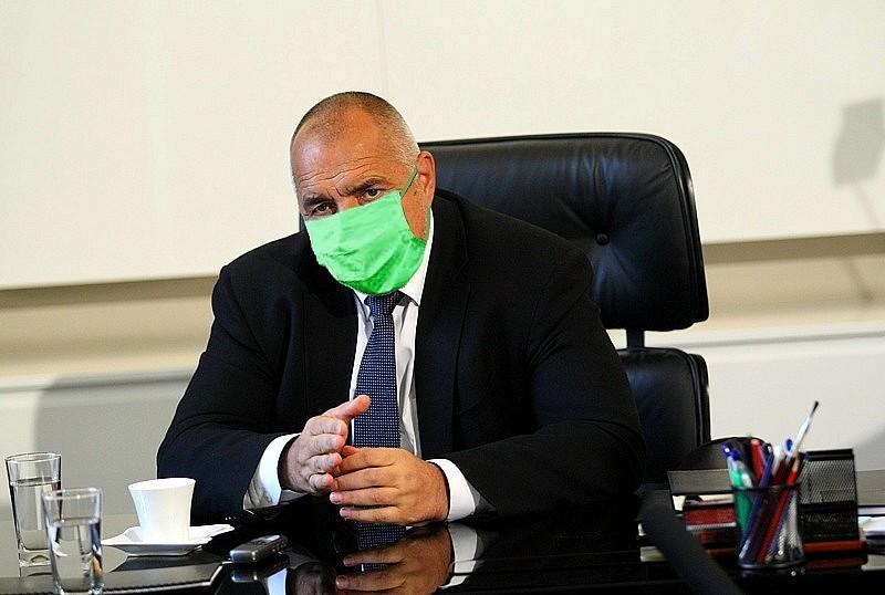 Бойко Борисов с маска на лицето