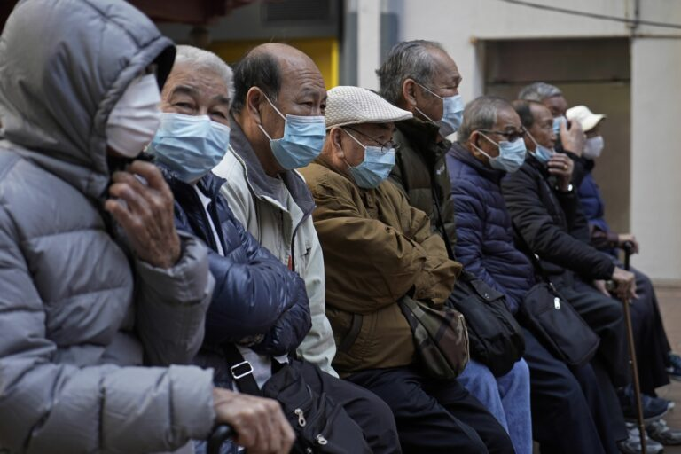 Кой има интерес от истерията покрай коронавируса?