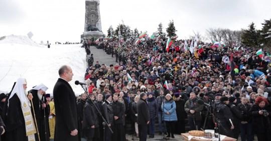 Радев: Отмяната на честването на Трети март на връх Шипка е манипулация