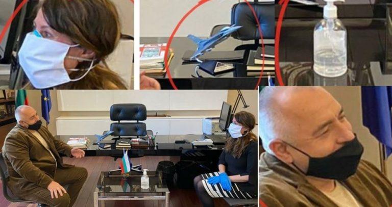 """Бойко по гол нос """"вирна"""" изтребителя пред Херо Мустафа, а тя се пази с 2 чифта маски, ръкавици и дезинфектант на срещата"""