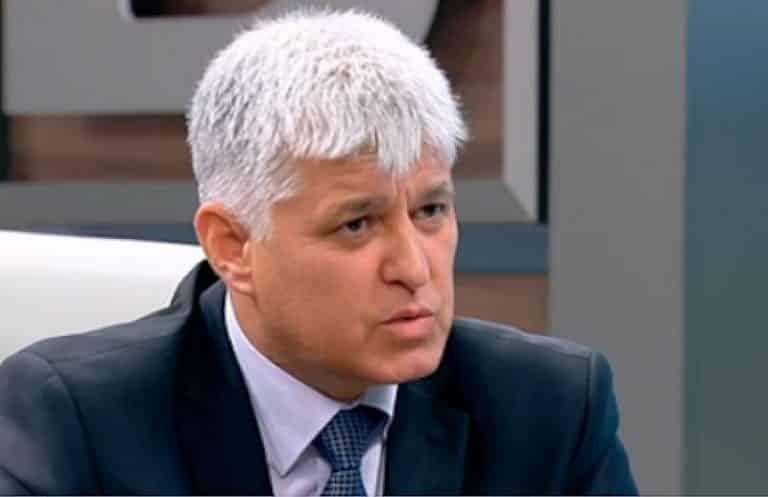 Човек на президента към Борисов: Срамно е да не се познава Конституцията, жалко е!