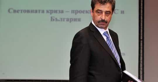 Цветан Василев: Водих преговори, с пратеник на Пеевски и Борисов, само по слипове