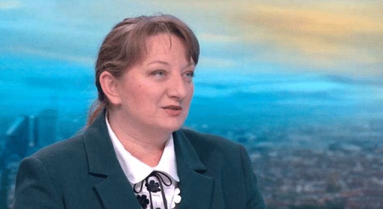 Деница Сачева категорична: Няма да има оставка. Плаши ни със зимата и безработицата