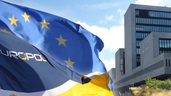 Заплахите срещу Елена Йончева стигнаха до ушите на председателя на ЕП