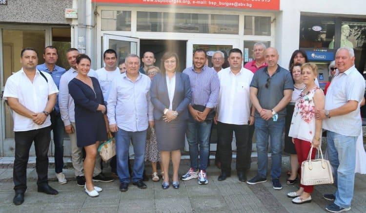 Корнелия Нинова: Правителството срина доверието на Европа към България. Оставката му ще го върне