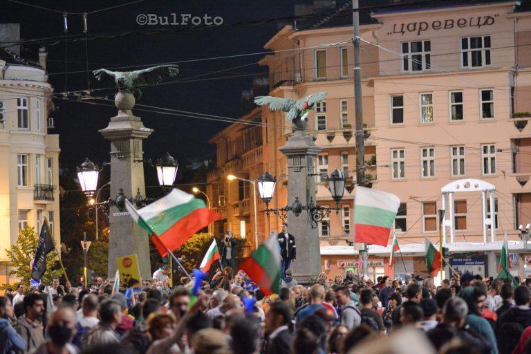 София отново е с блокирани кръстовища, градският транспорт е с променени маршрути