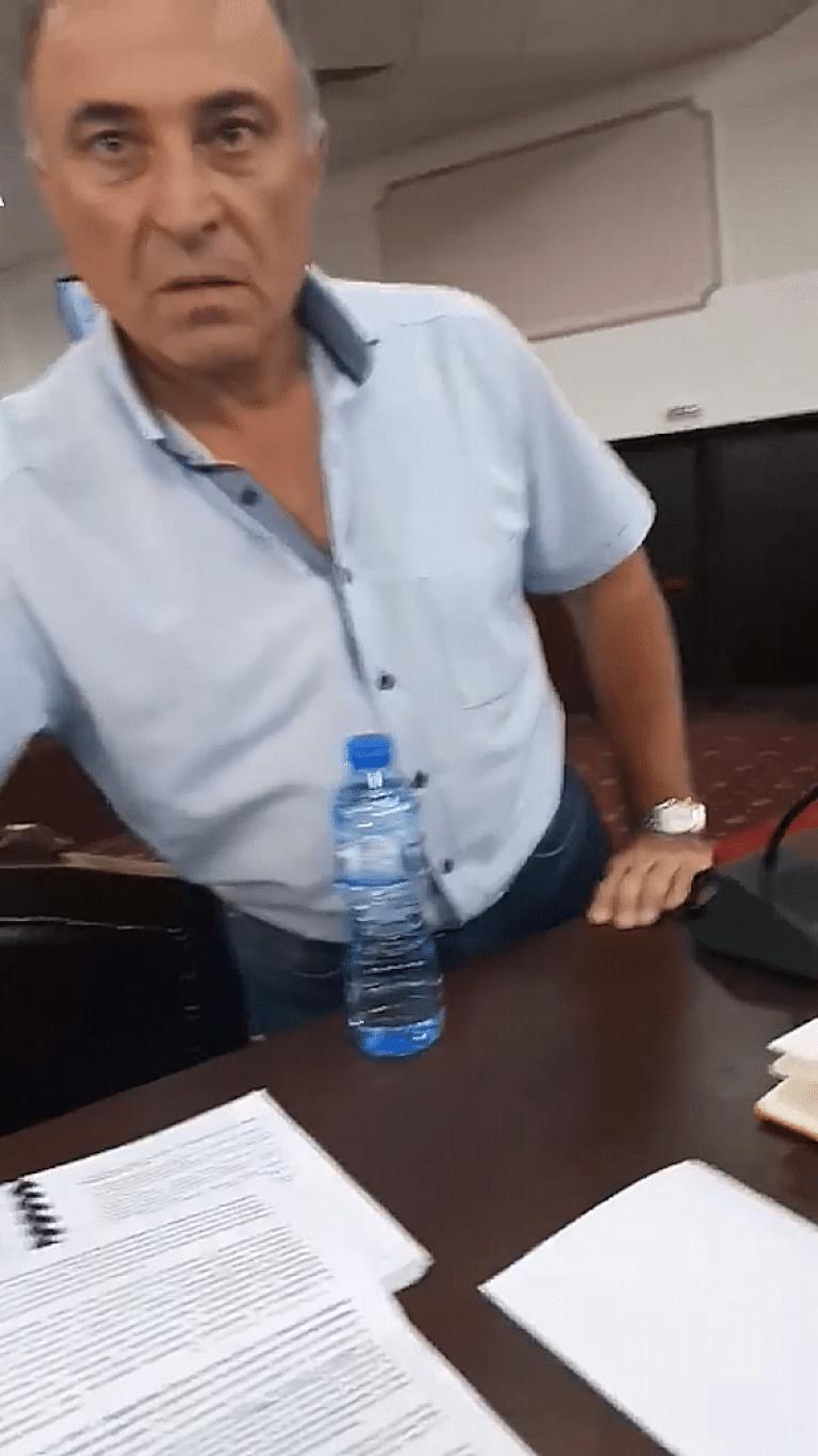 Вижте как се избива телефон и как ГЕРБ и кметът на Нова Загора заплашват политически опоненти /видео/