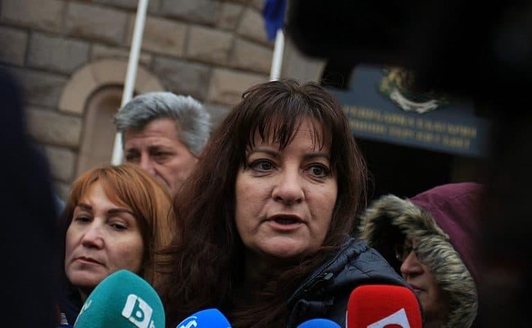 """Майка от """"Системата ни убива"""" направи на пух и прах МВР и Деница Сачева за лъжите им"""