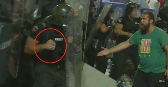 Който сее вятър, жъне бури!!! Кадрите с полицейското насилие са в цяла Европа, те напълно дискредитират Борисов