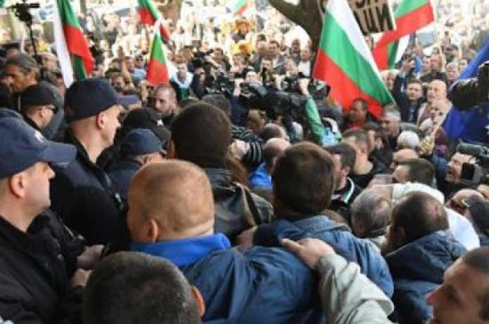 """От днес започват блокади, които ще сменят """"великите народни въстания"""""""