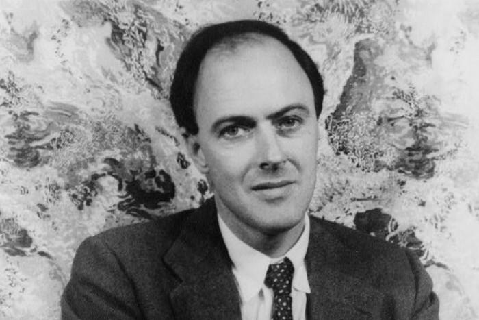 Роалд Дал през 1954 г. Снимка Уикипедия