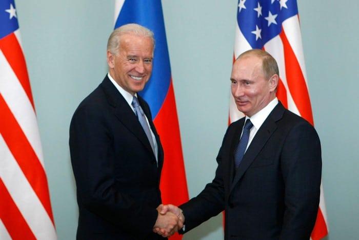 Русия и САЩ продължават с 5 години договора за стратегическите оръжия