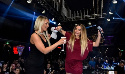 Бони и Емануела направиха страхотно шоу в пловдивска дискотека