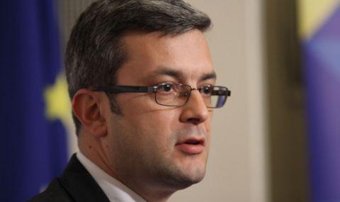 Тома Биков: Бойко Рашков мишкува зад закона
