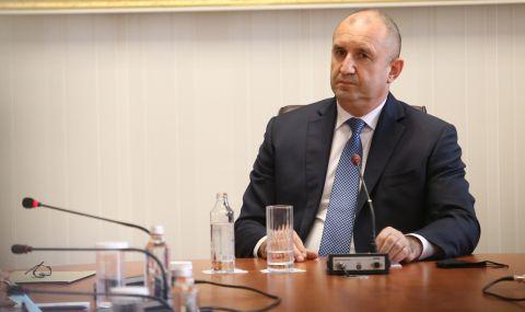Огнян Минчев: Радев изговаря в режим на монолог подготвени от сътрудниците му текстове